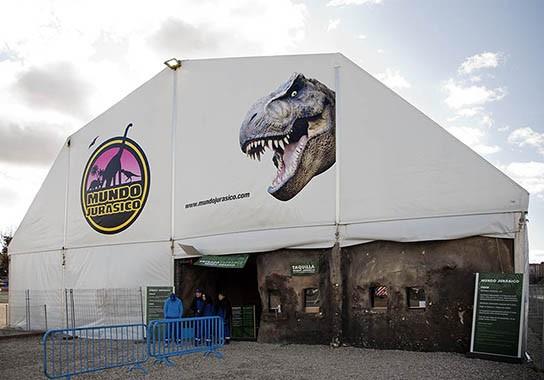 MOÑITA capara para evento de dinosaurios