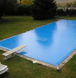 MOÑITA lona en piscina