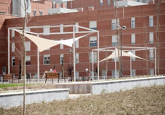 MOÑITA arquitectura textil en un parque