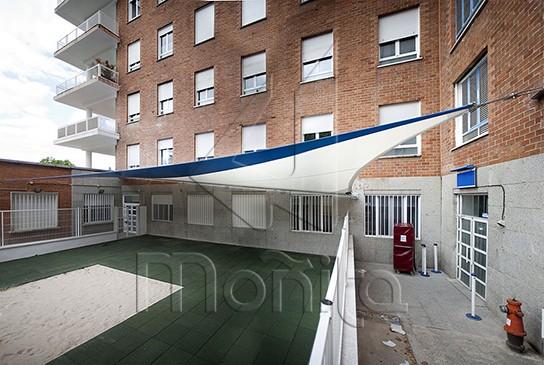 MOÑITA cubierta guardería Hospital Clínico de Madrid